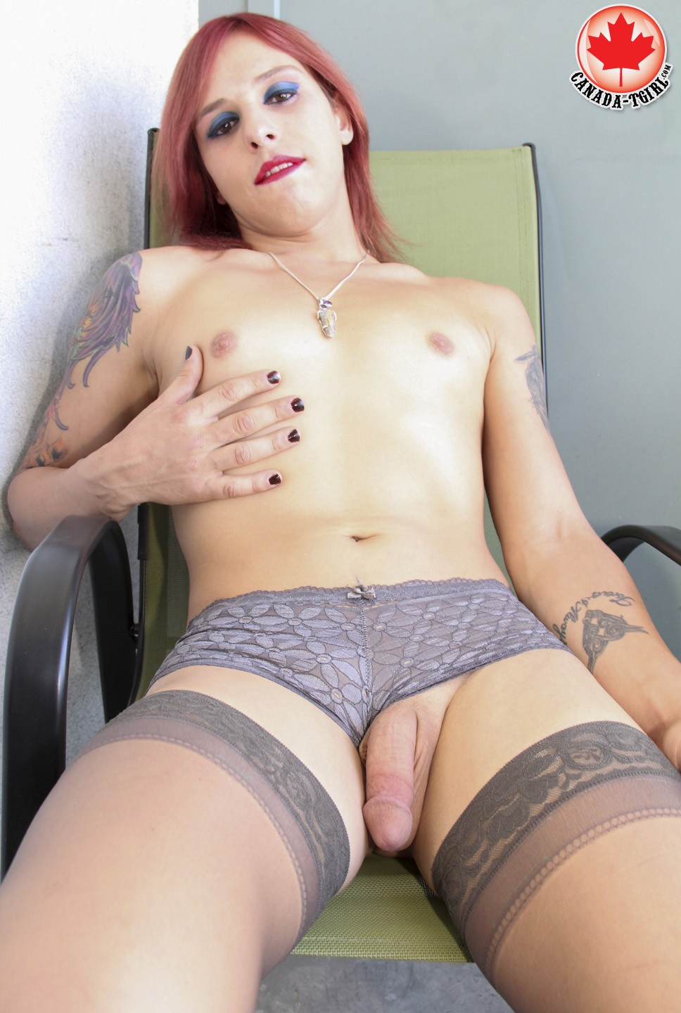 Hd  Puremature Phoenix Marie Welcomes Her Man With Wet