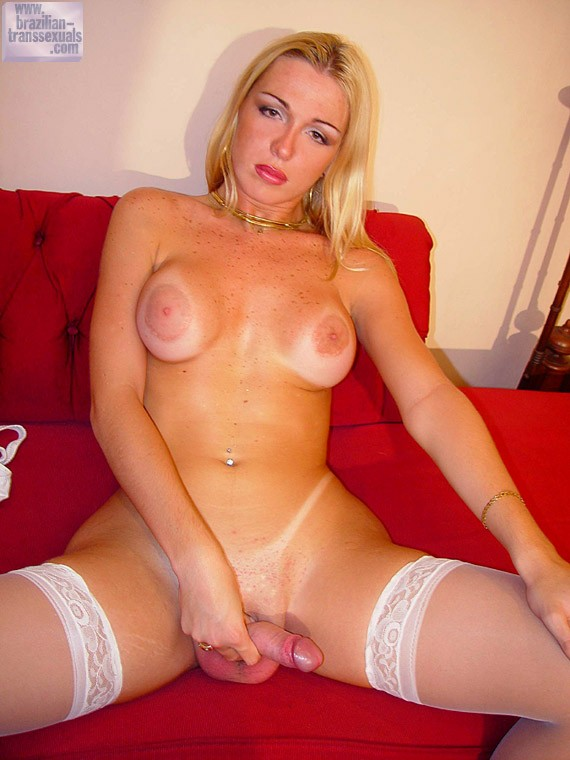 Blonde ts shemale and tranny mobile porn pictures and galleries